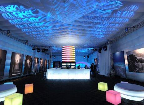 Mobiliario iluminado de la firma Slide