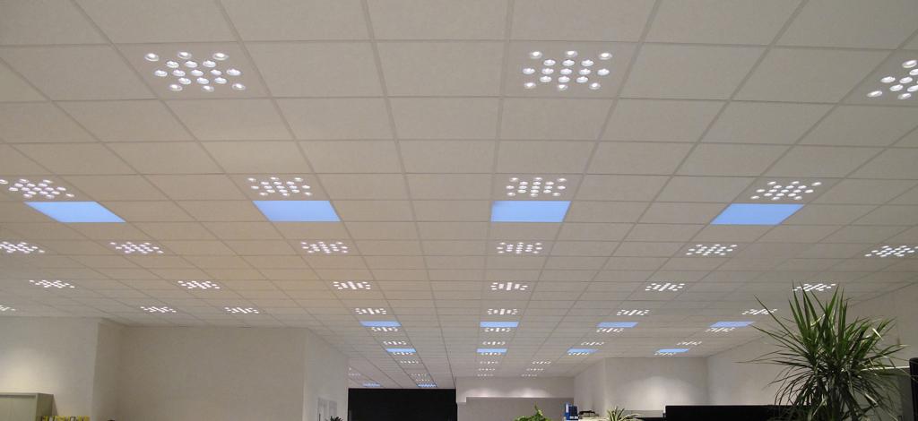 Calc es el nuevo plaf n led de la marca b lux - Lamparas de oficina techo ...