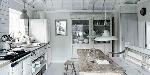 Iluminaci n de estilo r stico perfecto en bodegas y casas de monta a - Casa diez cocinas ...