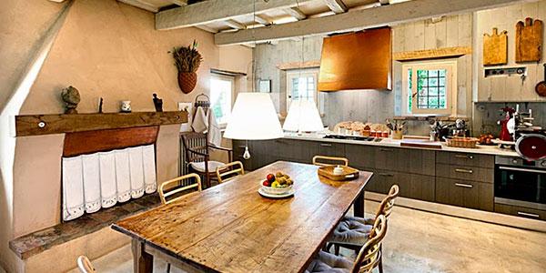 Iluminaci n de estilo r stico perfecto en bodegas y casas - Lamparas de cocina rusticas ...