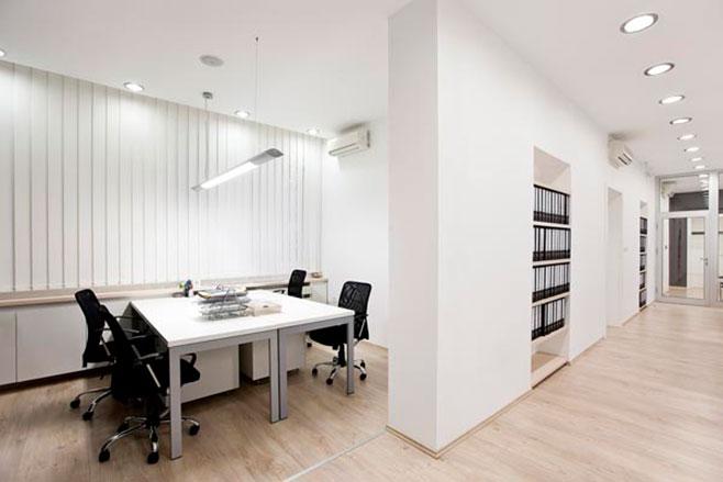Iluminaci n de oficinas con previsi n de futuro consejos for Lamparas de oficina