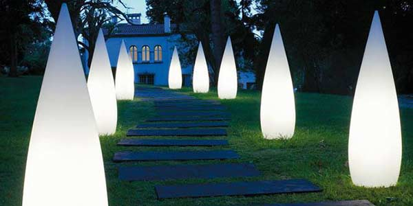 Iluminaci n de eventos en exteriores un arte que marca la - Iluminacion jardin sin cables ...