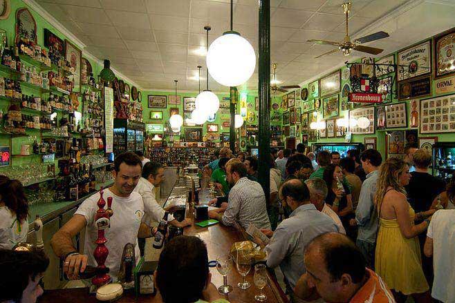 Iluminaci n de bares de tapas la diferencia tambi n est - Decoracion bares de tapas ...