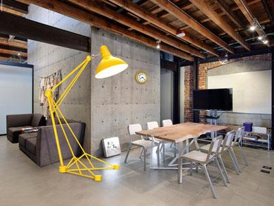Claves de la iluminaci n estilo industrial for Iluminacion oficinas modernas
