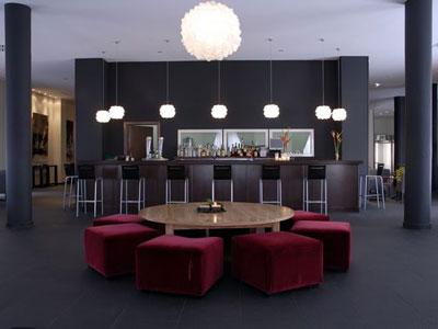 Iluminaci n en hoteles funcionalidad e imagen - Lamparas para cafeteria ...