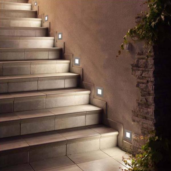 L mparas para iluminaci n de exterior c al es la mejor for Apliques para subida de escalera