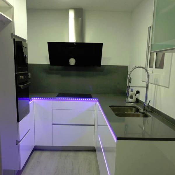 Aprende a iluminar tu casa con tiras led blog de for Tira led cocina