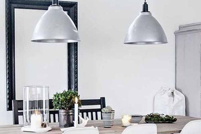 Grandes consejos e ideas para iluminar la mesa de tu for Ideas de iluminacion