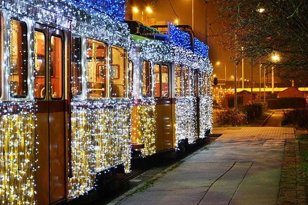 budapest-christmas-tram-8lamparas