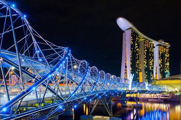 Puente-singapoure-iluminado