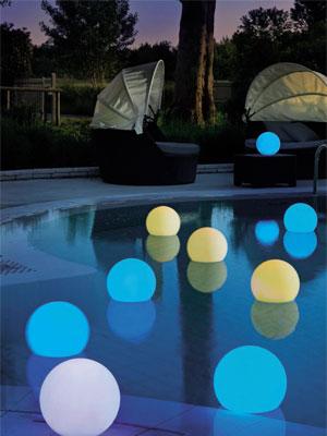 bolas-iluminadas-para-piscina