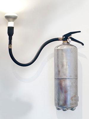 reciclar-lamparas-extintor-diy