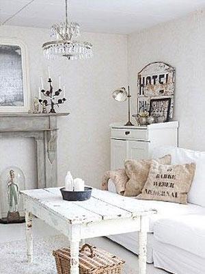 salon-rustico-lampara-clasica