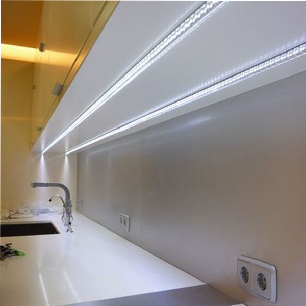 Aprende a iluminar tu casa con tiras led blog de - Iluminacion cocina led ...