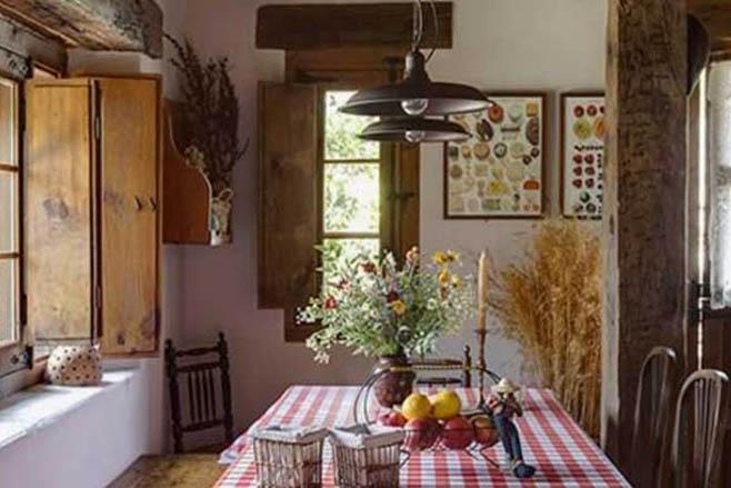 Cocinas iluminadas con l mparas de techo de estilo r stico for Ideas iluminacion cocinas